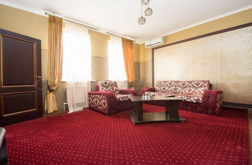 Бристоль, гостинично-развлекательный комплекс