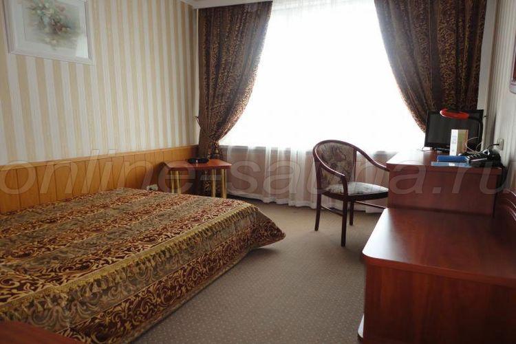 Мезон, гостиничный комплекс